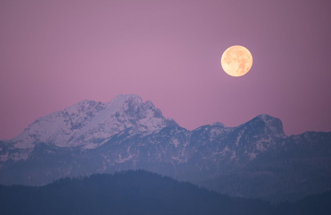 La luna llena en escorpión te invita a adentrarte en tus profundos sentimientos