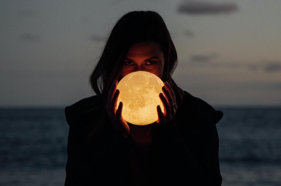 Luna llena en Piscis: encontrando tu magia interna